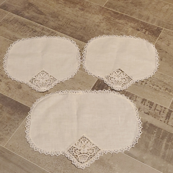 Vintage Set of 3 Ivory Lace Doilies